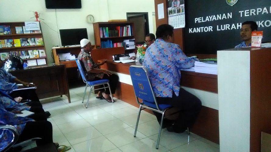 Rapat Staf Kelurahan Sukosari